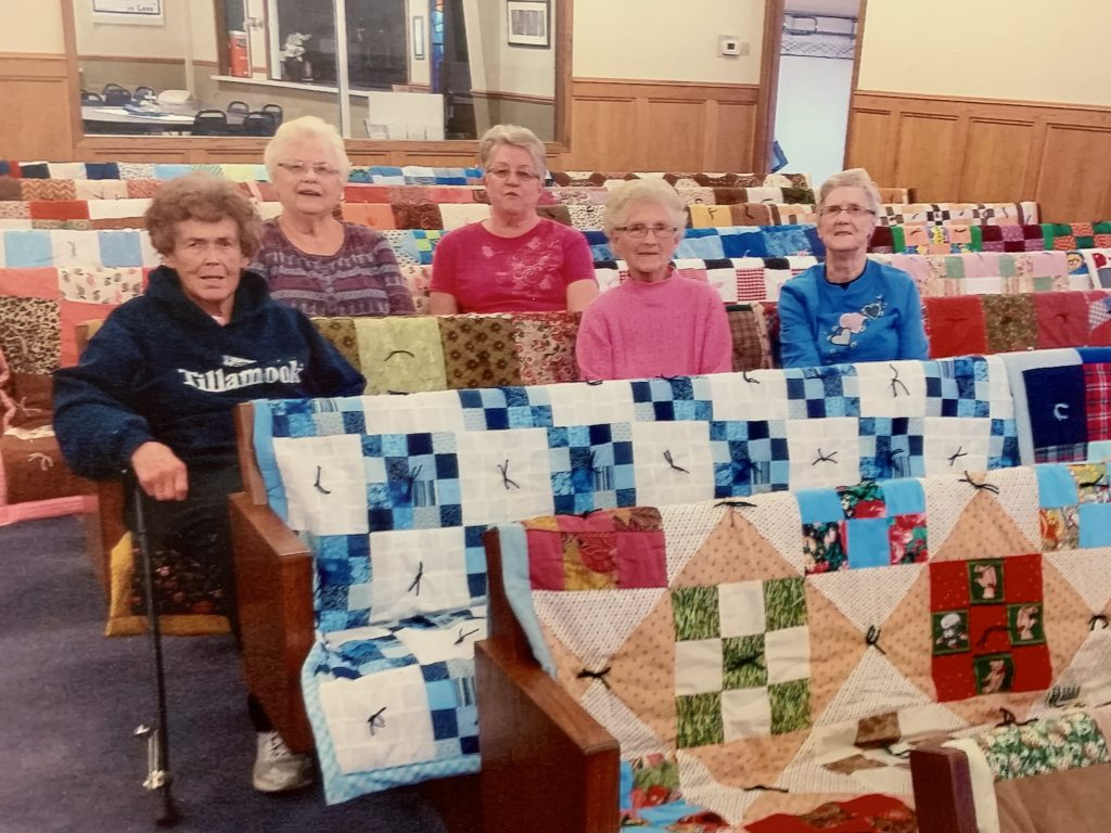 quilts at peace lutheran church in barrett mn